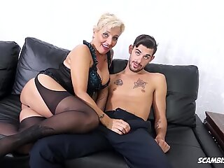 ScambistiMaturi, Italian Cougar Shadow Tries Anal With Lover