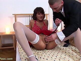 skinny matures first brutal anal lesson