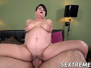 Wicked babe bangs young guy after giving him a blowjob