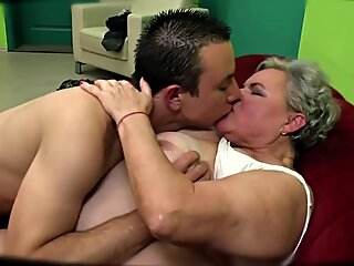 Fat grandma hard fucked in waiting room