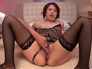 Curvy ass Yurika Momo handles the toy like a goddess