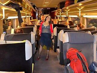 slutwife Pelzmausi makes a train journey -slideshow