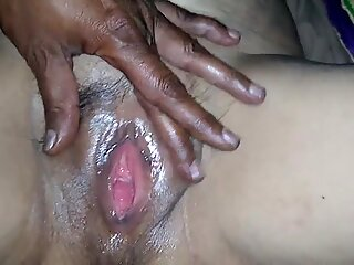 Hairy cunt massage for pussy cum