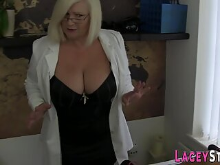 Les granny Lacey Starr binds babe