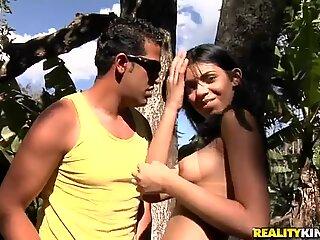 Outdoor adventure of Tony Tigrao and Victoria Venturini