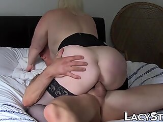 UK GILF Lacey Starr stuffed by two huge cocks in threeway