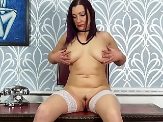 Mature natural mother with hungry vagina