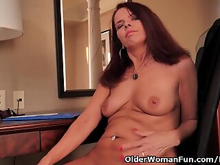 Canadian mummy Candy needs caressing her thirsty pussy