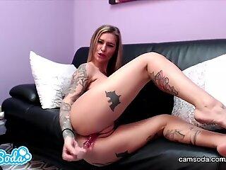 Kleio Valentien big ass blonde playing with her wet vagina.