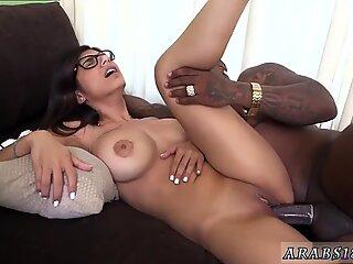 Hot brunette body and hairy arab anal Mia Khalifa Tries A Big Black Dick