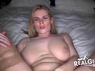 Amateur oily pussy finger
