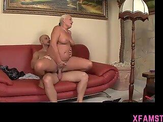Lovely joyful fuckhole of Chica pulsates wide open for giant