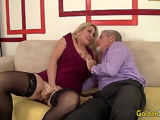 Passionate Mature Sex with large orbs grandmother Cala Craves