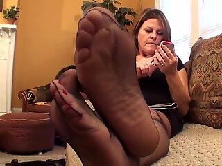 Sexy Mature Nylon Feet