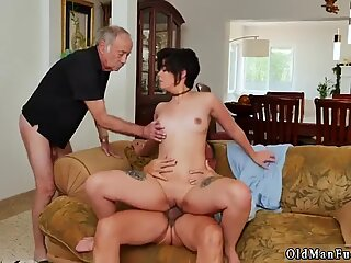 Daddy partner s daughter fucking and two dick sucking
