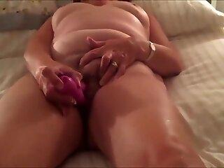 Oma reife langsame Masturbation mit Fremden